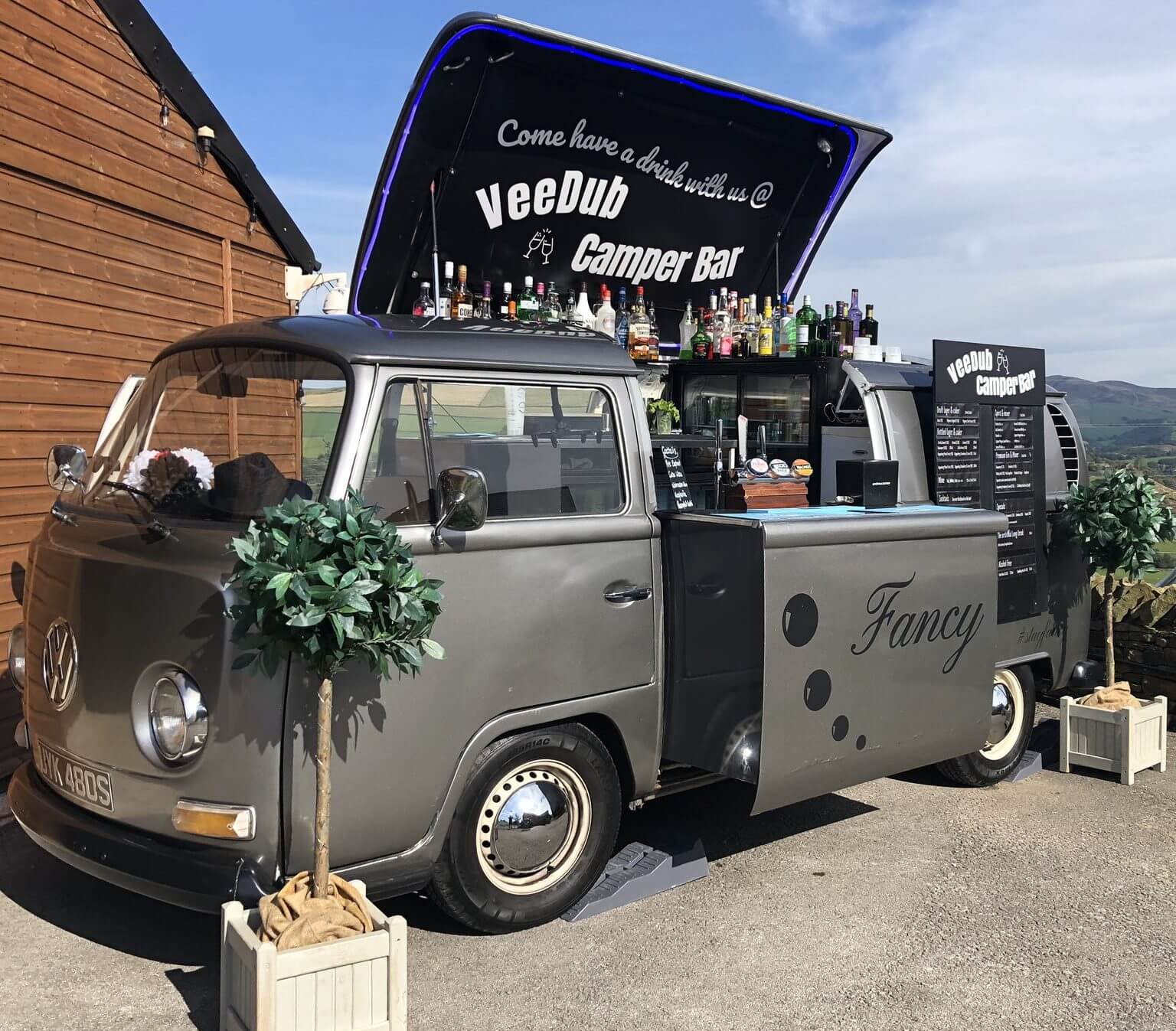Mobile Bar Weddings Festival Tippee Private parties